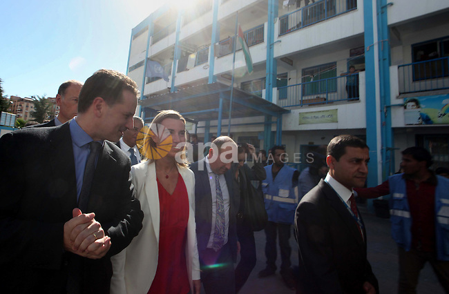 European Union foreign policy chief Federica Mogherini visits a UN-run school sheltering Palestinians, whose houses were destroyed during the most recent conflict between Israel and Hamas, in Gaza City November 8, 2014. Photo by Ashraf Amra