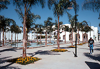 Charles Moore: Oceanside City Hall--Fountain Plaza. (Photo '91)