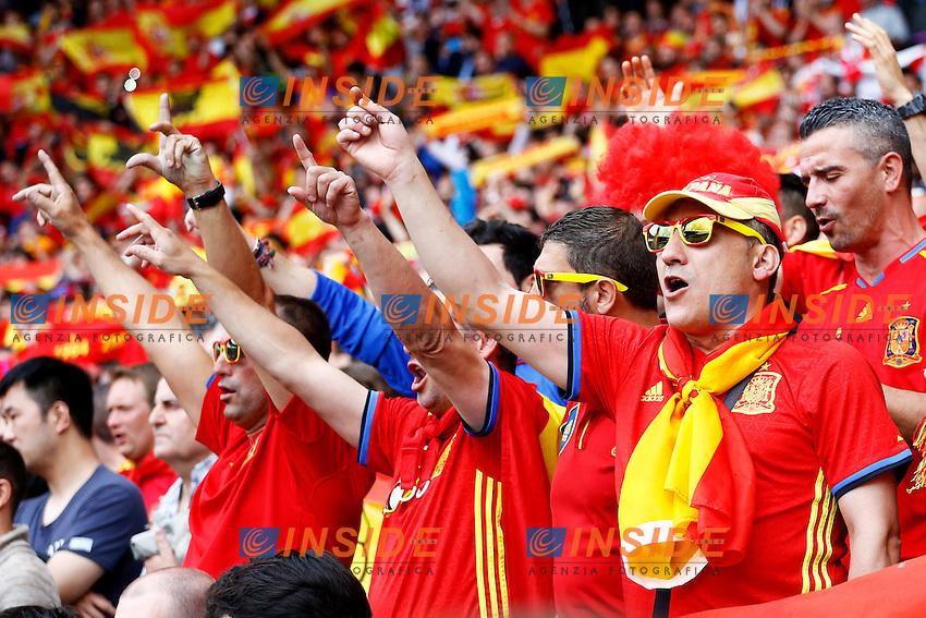 Spain Supporters celebrate <br /> Toulouse 13-06-2016 Stade de Toulouse Footballl Euro2016 Spain - Czech Republic  / Spagna - Repubblica Ceca Group Stage Group D. Foto Matteo Ciambelli / Insidefoto