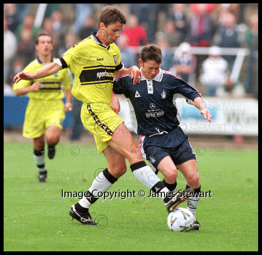 26th September 98    .Copyright Pic : James Stewart   .FALKIRK V MORTON.PAUL FENICK CHALLENGES KEVIN MCALLISTER.....Payments to :-.James Stewart Photo Agency, Stewart House, Stewart Road, Falkirk. FK2 7AS      Vat Reg No. 607 6932 25.Office : 01324 630007        Mobile : 0421 416997.If you require further information then contact Jim Stewart on any of the numbers above.........