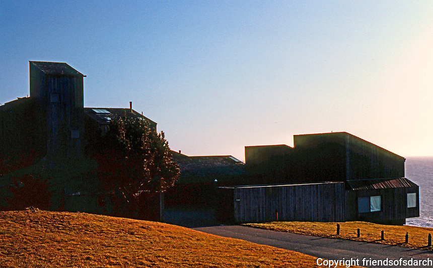 Charles Moore: Sea Ranch, 1965. Condominium 1.  Photo '83.