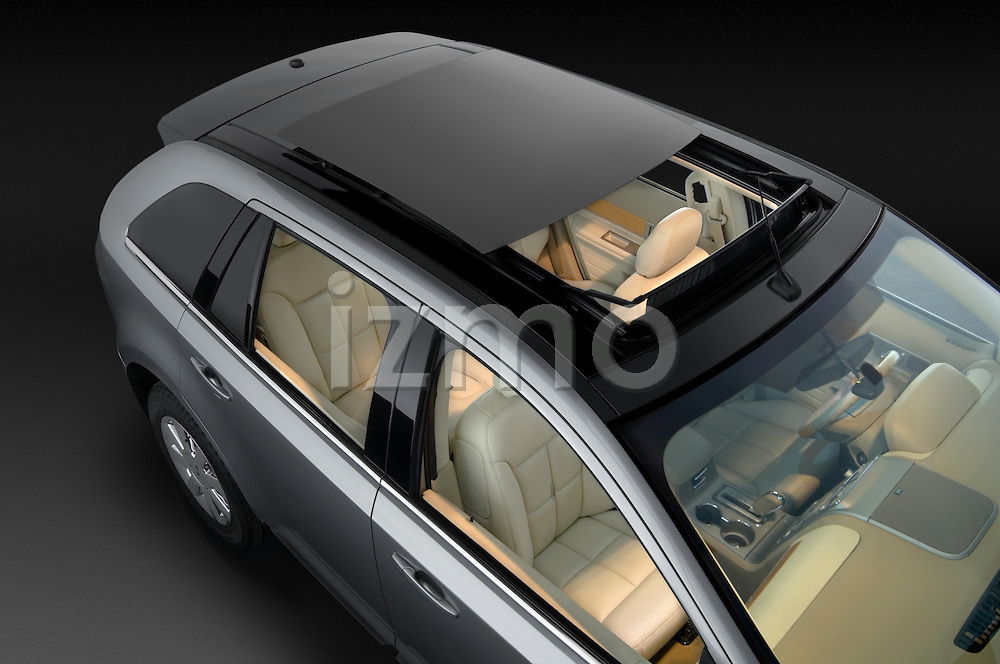 High overhead view of a 2009 Lincoln MKX