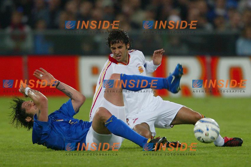 Genova 28/4/2004 <br /> Amichevole Italia Spagna 1-1 - Friendly match Italy - Spain 1-1. <br /> Raul (Spain) tackles Marco Materazzi (Italy)<br /> Photo Andrea Staccioli / Insidefoto