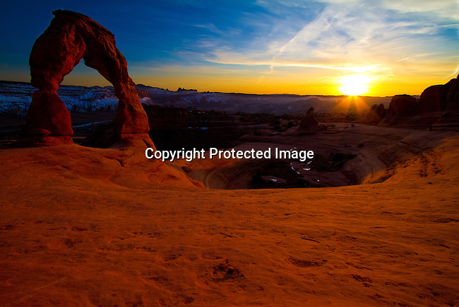 Delicate Arch in Arches National Park outside Moab, Utah at Sunset.<br /> Jim Urquhart/straylighteffect.com<br /> 03/12/2010
