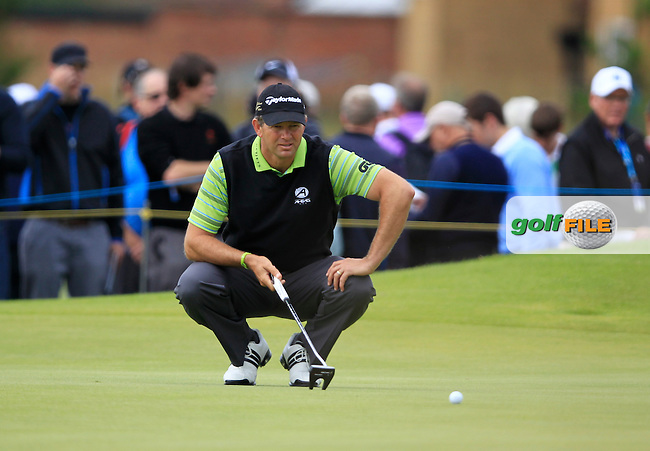 Retief Goosen (RSA) lines up his putt on the 4th green during Friday's Round 2 of the 141st Open Championship at Royal Lytham & St.Annes, England 20th July 2012 (Photo Eoin Clarke/www.golffile.ie)