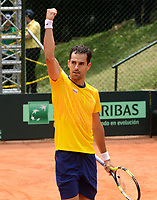 MEDELLIN - COLOMBIA - 07 - 04 - 2017: Santiago Giraldo de Colombia celebra punto sobre Nicolas Jarry, de Chile, durante partido de la serie final de partidos en el Grupo I de la Zona Americana de la Copa Davis, partidos entre Colombia y Chile, en Country Club Ejecutivos de la ciudad de Medellin. / Santiago Giraldo Cabal of Colombia celebrates the point against Nicolas Jarry, of Chile, during a match to the final series of matches in Group I of the American Zone Davis Cup, match between Colombia and Chile, at the Country Club Executives in Medellin city. Photo: VizzorImage / Leon Monsalve / Cont.