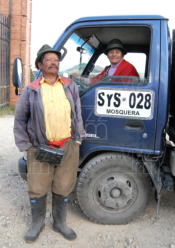 "BOYACA -COLOMBIA- 21-10--2013.  Maria Ines Medina decidio comprar su propio vehiculo para poder transportar la papa que cultiva. ""Hay que aprender a manejar para poder uno defenderse y trabajar muy bien en el campo"", dice con gallardia. Ella hace dos a–os aprendio a manejar  la 'turbo'.  .  Dignidad papera y agropecuaria', movimiento que lidero el paro agrario nacional en dias pasados, logro que el Gobierno comprara toda la papa de la produccion boyacense, para ubicarla en la poblacion mas vulnerable del pais, especialmente la que esta afectada por algun riesgo climatico, como en las zonas de Choco, San Andres, Magangue, Sincelejo y Florencia.  / Mar'a InŽs Medina decided to buy their own vehicle to transport the potato farming. ""You have to learn to manage to defend yourself and work very well in the field,"" says gallantly. She learned two years ago to handle the 'turbo'. Mumps and agricultural Dignity ', a movement that led the national agricultural strike in recent days, the government managed to buy all the potato production Boyaca, to place it in the country's most vulnerable population, particularly those who are affected by a climate risk and in areas of Choco, San Andres, Magangue, Sincelejo and Florence. .Photo: VizzorImage / Jose Miguel Palencia  / Stringer"