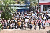 CAMPINAS,SP - 21.02.2017 - MANIFESTAÇÃO-SP - Cerca de 400 manifestantes, moradores da Comunidade Nelson Madela, protestam em frente ao Palácio Jequitibás, sede da prefeitura de Campinas, contra a determinação de reintegração de posse, na tarde desta terça-feira, 21. Segundo os organizadores da manifestação, são 600 famílias alojadas nessa ocupação.(Foto: Eduardo Carmim/Brazil Photo Press)
