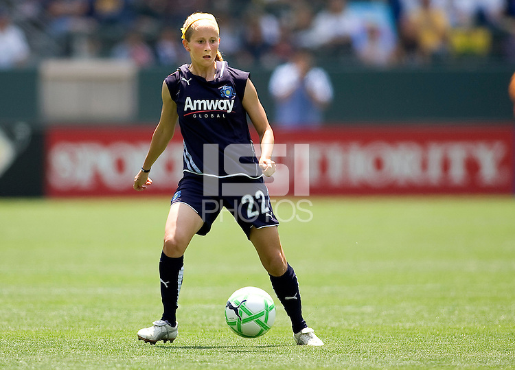 LA Sol's Manya Makoski moves with the ball.  The Boston Breakers and LA Sol played to a 0-0 draw at Home Depot Center stadium in Carson, California on Sunday May 10, 2009.   .