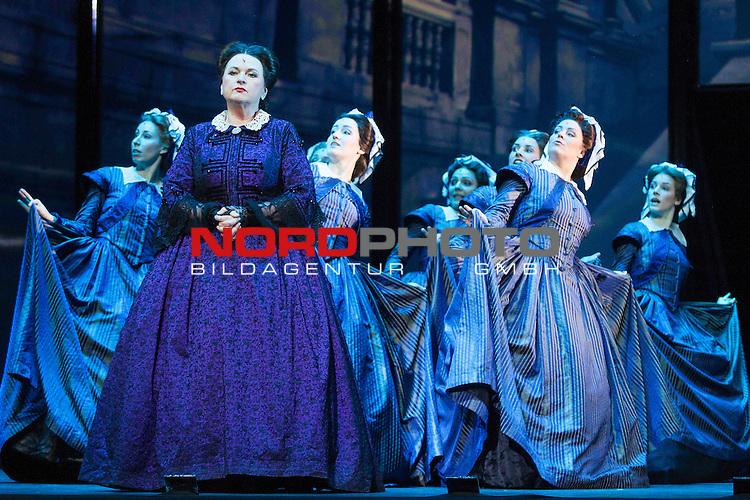 25.03.2015, Deutsches Theater, Muenchen, GER, Musical, Elisabeth im Deutschen Theater, im Bild Sophie(Angelika Wedekind)<br /> <br />  Foto &copy; nordphoto / Straubmeier