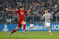 Calcio, andata degli ottavi di finale di Champions League: Juventus vs Bayern Monaco. Torino, Juventus Stadium, 23 febbraio 2016. <br /> Bayern&rsquo;s Robert Lewandowski in action during the Champions League round of 16 first leg soccer match between Juventus and Bayern at Turin's Juventus Stadium, 23 February 2016.<br /> UPDATE IMAGES PRESS/Isabella Bonotto