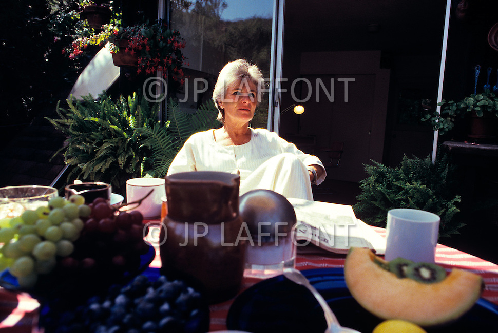 New York City - 1985. Hella Hammid photographed at her home in the Upper West Side. She (b. July 15, 1921 - 1992) was a German born American photographer and psychic who worked for LIFE magazine and many other US and international publications.
