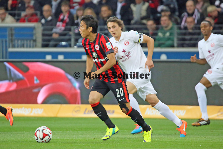 Makoto Hasebe (Eintracht) gegen Julian Baumgartlinger (Mainz) - Eintracht Frankfurt vs. 1. FSV Mainz 05, Commerzbank Arena