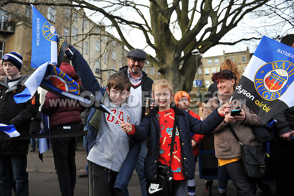 Bath Rugby supporters enjoy the pre-match atmosphere. European Rugby Champions Cup match, between Bath Rugby and RC Toulon on January 23, 2016 at the Recreation Ground in Bath, England. Photo by: Patrick Khachfe / Onside Images