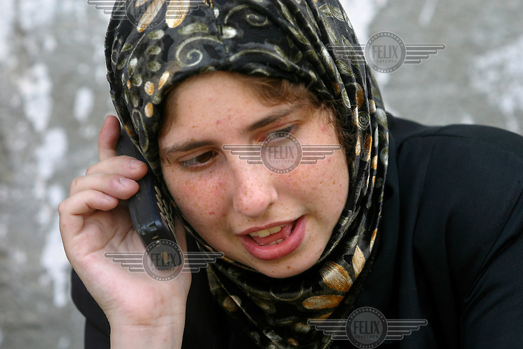 Laura, a jewish girl from Pittsburgh, recieves yet antoher call from the media. The small group of peace activists in Rafah, at the very southern end of the GAza strip, has been declared criminals by the Israeli government for their work to help the Palestinians.