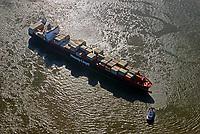 Containerschiff Montreal Express der Hapag Lloyd auf der Süderelbe: EUROPA, DEUTSCHLAND, HAMBURG, (EUROPE, GERMANY), 31.08.2016: Containerschiff Montreal Express der Hapag Lloyd auf der Süderelbe im Wendekreis des Köhlbrands vor Altentenwerder
