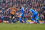 Jon Stead of Bradford strikes at goal - Bradford City vs. Sunderland - FA Cup Fifth Round - Valley Parade - Bradford - 15/02/2015 Pic Philip Oldham/Sportimage