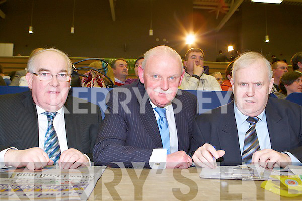 Fine Gaels three wise men (ref Eoin for names) under the Northern star discuss how to lead their disciples into the promised land at the Killarney South count in the Killarney Sports Centre on Saturday..