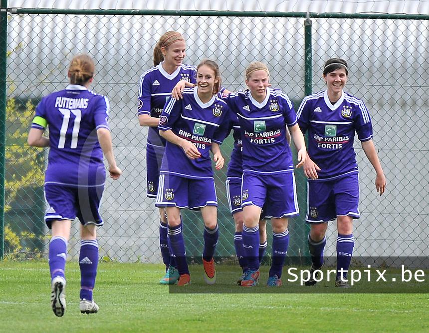 RSC Anderlecht Dames - FC Twente : vreugde bij Justine Vanhaevermaet, Tessa Wullert , Jana Coryn en Annelies Van Loock (r).foto DAVID CATRY / Nikonpro.be