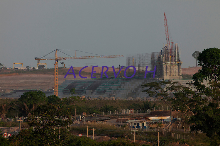 Implantação da Unidade Hidrelátrica de Belo Monte e a cidade de Altamira, uma das principais atingidas pela implantação do projeto, <br /> Vitória do Xingu, Pará, Brasil.<br /> Foto Paulo Santos<br /> 09/11/2013