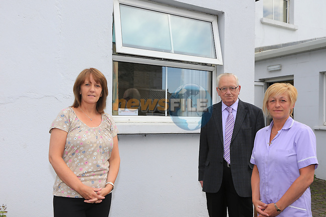 Ann Patsy and Dawn<br /> Alzheimers Centre <br /> Picture:  Fran Caffrey / www.newsfile.ie