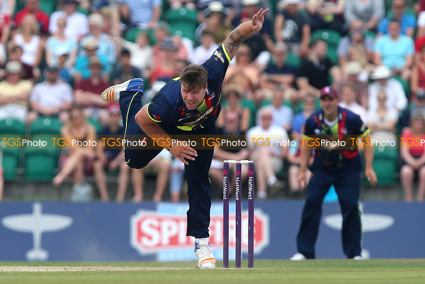 Matt Coles in bowling action for Kent during Kent Spitfires vs Essex Eagles, NatWest T20 Blast Cricket at The County Ground on 9th July 2017