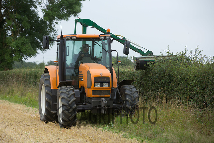 Hedge cutting <br /> Picture Tim Scrivener 07850 303986<br /> ….covering agriculture in the UK….