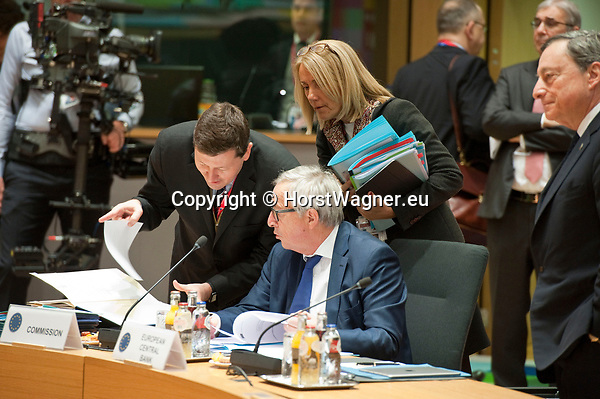 Brussels, Belgium -- March 23, 2018 -- European Council / Summit, meeting of Heads of State / Government at the Europa building - seat of the European Council and Council of the European Union; here, Jean-Claude Juncker (ce), President of the European Commission, with the newly appointed Secretary-General of the European Commission, Martin Selmayr (le), and Head of 'Juncker'-Cabinet, Clara Martínez Alberola (ri) -- Photo: © HorstWagner.eu