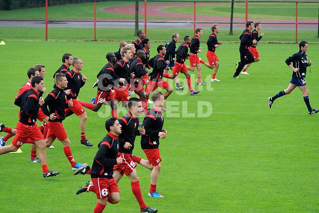 HENGELO - Voetbal eerste training FC Twente seizoen 2012-2013 in voorbereiding op de europa league wedstrijden begin juli. 18-6-2012