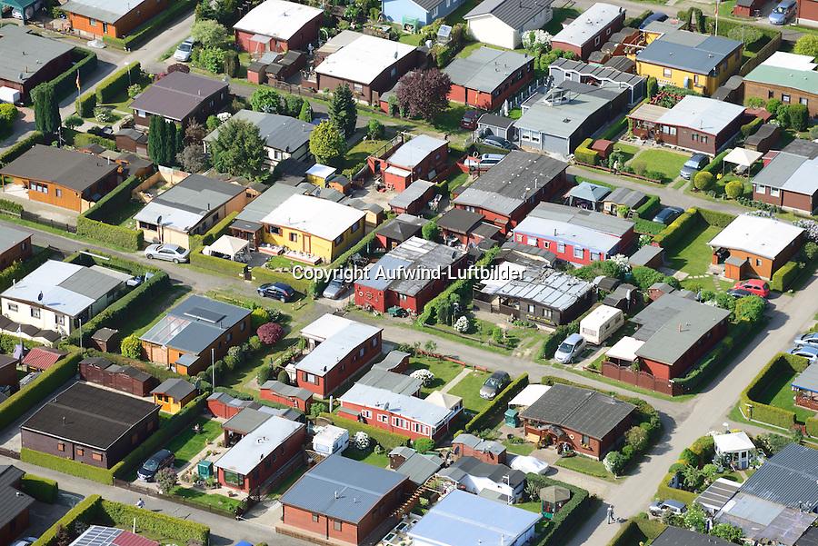 Mobilheimsiedlung: EUROPA, DEUTSCHLAND,  NIEDERSACHSEN (EUROPE, GERMANY), 01.05.2014: Mobilheimsiedlung auf dem Campingplatz Stove Strand