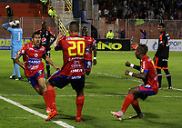PASTO -COLOMBIA, 06-08-2017: Robin Ramirez (Izq) jugador del Deportivo Pasto celebra después de anotar un gol a América de Cali durante partido por la fecha 6 de la Liga Águila II 201/ jugado en el estadio La Libertad de Pasto. / Robin Ramirez (L) player of Deportivo Pasto celebrates after scoring a goal to America de Cali during match for the date 6 of Aguila League II 2017 played at La Libertad stadium in Pasto. Photo: VizzorImage / Leonardo Castro / Cont