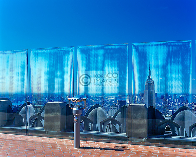 TOP OF THE ROCK OBSERVATION DECK ROCKEFELLER CENTER MIDTOWN MANHATTAN NEW YORK CITY USA