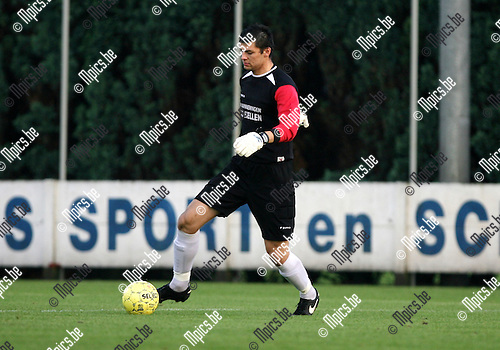 2009-07-19 / Seizoen 2009-2010 / Voetbal / Royal Kapellen FC / Kamil Tekecki..Foto: Maarten Straetemans (SMB)