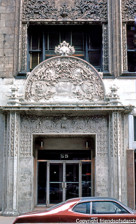 Louis Sullivan: Bayard Bldg., 1898. Entrance.  Photo '78.