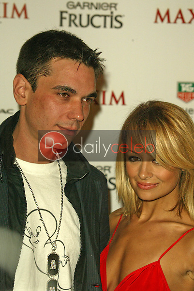 DJ AM and Nicole Richie<br /> at the Maxim Magazine's Hot 100 Party, Montmartre Lounge, Hollywood, CA 05-12-05<br /> Jason Kirk/DailyCeleb.com 818-249-4998