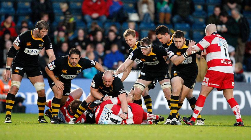 Photo: Richard Lane/Richard Lane Photography. London Wasps v Gloucester Rugby. LV= Cup. 15/11/2009. Wasps forwards.