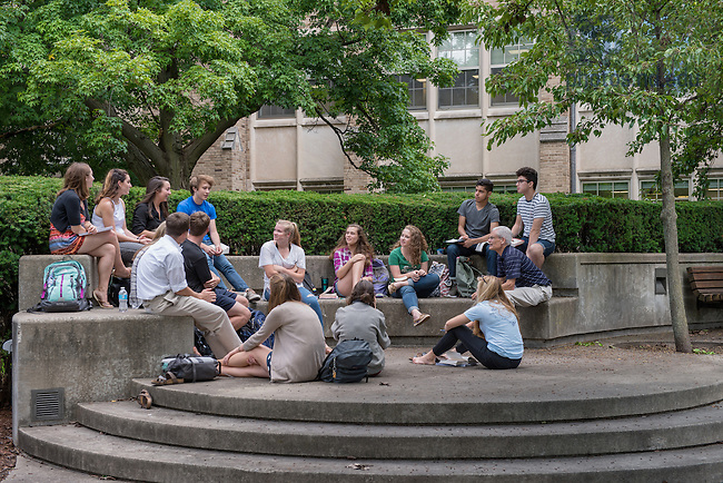 September 1, 2016; Class outside of O'Shaughnessy Hall. (Photo by Barbara Johnston/University of Notre Dame)