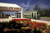 AJ2969, Hershey, Pennsylvania, Hershey's Chocolate World, Trolley tourbus at the entrance of Hershey's Chocolate World in Hershey in the state of Pennsylvania.