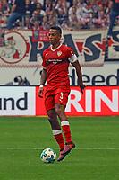 Dennis Aogo (VfB Stuttgart) - 30.09.2017: Eintracht Frankfurt vs. VfB Stuttgart, Commerzbank Arena