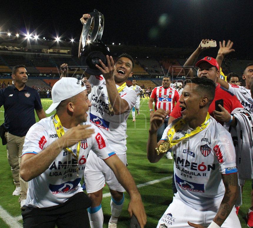 MEDELLÍN- COLOMBIA, 16-12-2018.jugadores delAtlético Junior  celebran al ganar el campeonato de la Liga Aguila 2018  al  vencer al Independiente Medellín  durante partido por la final  de la Liga Águila II 2018 jugado en el Estadio Atanasio Girardot de la ciudad de Medellín. /The players of Atlético Junior  celebrate by winning the Liga Aguila 2018 football championship by beating Independiente Medellin during the match of the Liga Águila II 2018 final played at the Atanasio Girardot Stadium in the city of Medellín. . Photo: VizzorImage / Felipe Caicedo / Staff