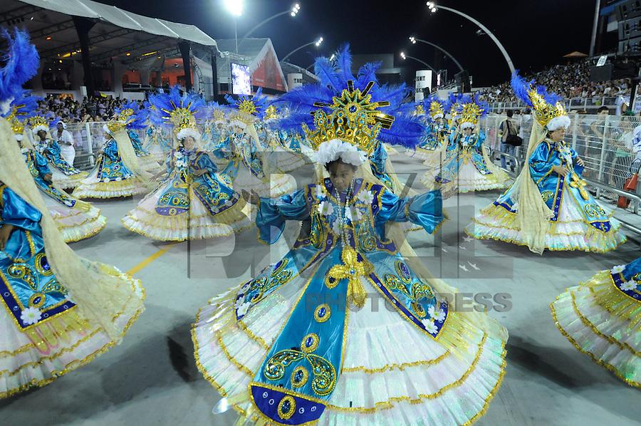 SAO PAULO, SP, 19 DE FEVEREIRO 2012 - CARNAVAL SP -  NENE DE VILA MATILDE - Desfile da escola de samba Nene de Vila Matilde na terceira noite do Carnaval 2012 de São Paulo, no Sambódromo do Anhembi, na zona norte da cidade, neste domingo. (FOTO: LEVI BIANCO  - BRAZIL PHOTO PRESS).