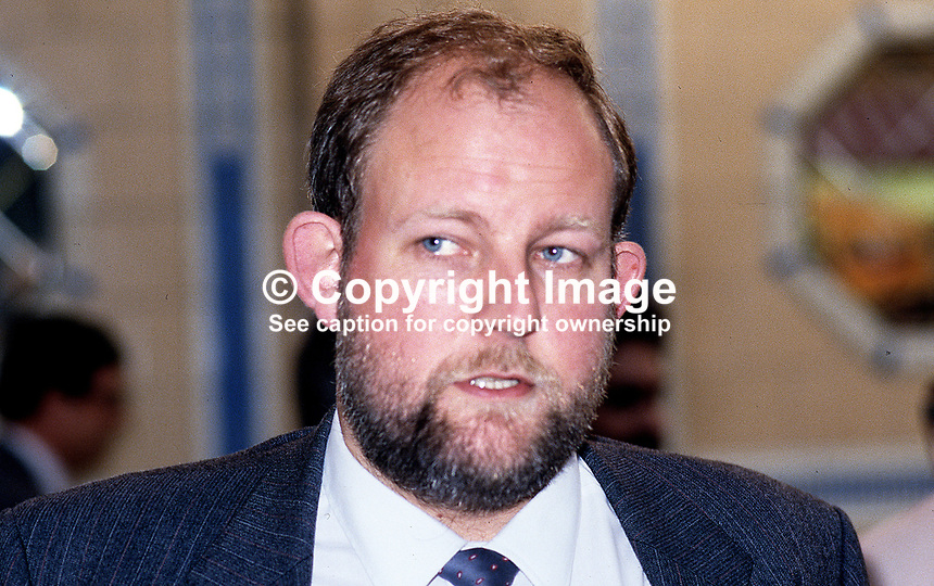 Charles Clark, personal secretary to Neil Kinnock, leader, Labour Party, UK, 19870917CC.<br />
