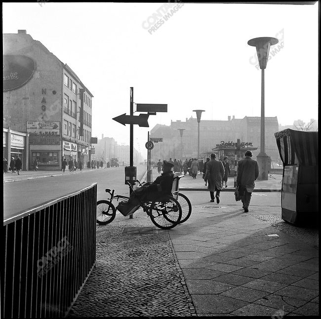 Georgenstrasse and Friedrichstrasse in West Berlin at the time of the construction of the Berlin Wall,  Germany, November 1961