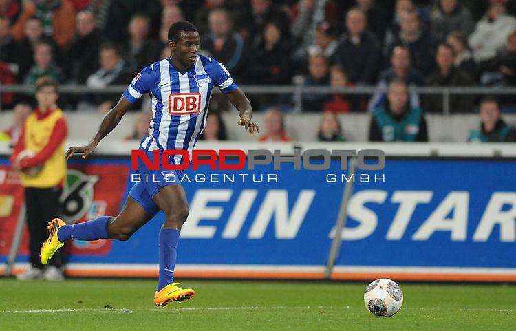 04.10.2013, HDI Arena, Hannover, GER, 1.FBL, Hannover 96 vs Hertha BSC, im Bild Adrian Ramos (Berlin #20)<br /> <br /> Foto &copy; nph / Frisch