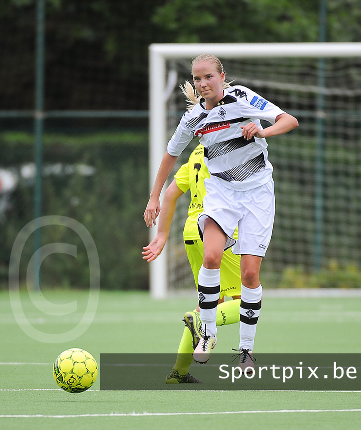 20160730 - GENT , BELGIUM : Borussia Mönchengladbach's Paula Petri pictured during a friendly game between KAA Gent Ladies and Borussia Mönchengladbach during the preparations for the 2016-2017 season , Saturday 30 July 2016 ,  PHOTO Dirk Vuylsteke | Sportpix.Be