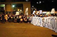 SÃO PAULO,SP,22 JUNHO 2013 - PROTESTO PAC 37 - Manifestantes  realizam protesto contra o PAC 37 em frente ao Ministerio Publico na região central de São Paulo,no inicio da noite  deste sabado (22).FOTO ALE VIANNA - BRAZIL PHOTO PRESS