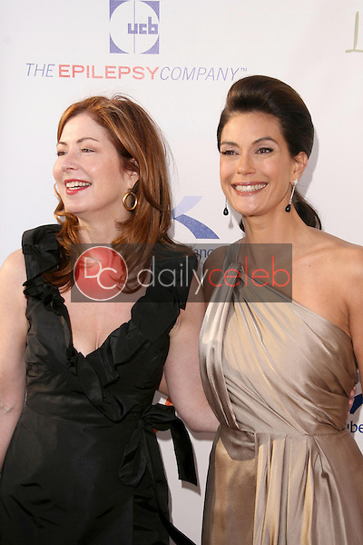 Dana Delany and Teri Hatcher<br />