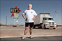 Californie-Route 66<br /> Portrait<br /> D&eacute;sert de Mojave<br /> Amboy