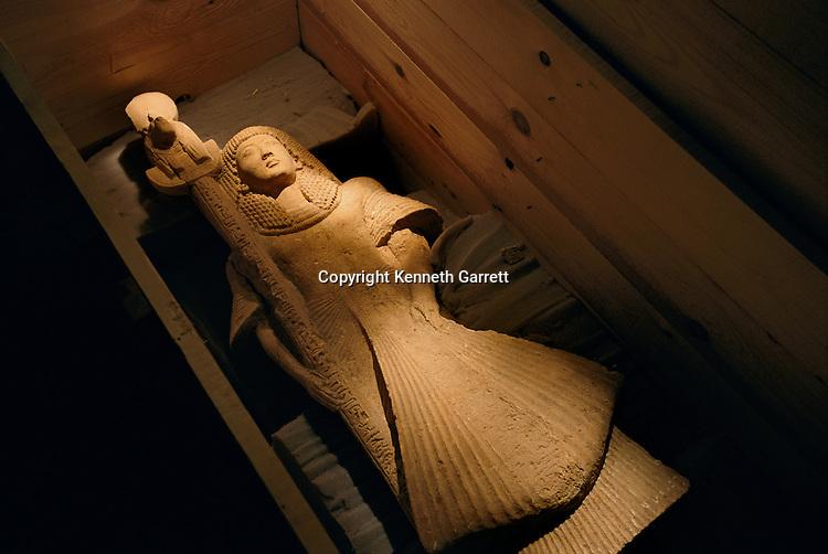 Sandstone statue of Nebre as standard bearer of the lion-headed goddess of war Sekhmet, New Kingdom