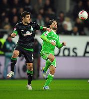 FUSSBALL   1. BUNDESLIGA    SAISON 2012/2013    13. Spieltag   VfL Wolfsburg - SV Werder Bremen                          24.11.2012 Sokratis Papastathopoulos (li, SV Werder Bremen) gegen Diego (re, VfL Wolfsburg)